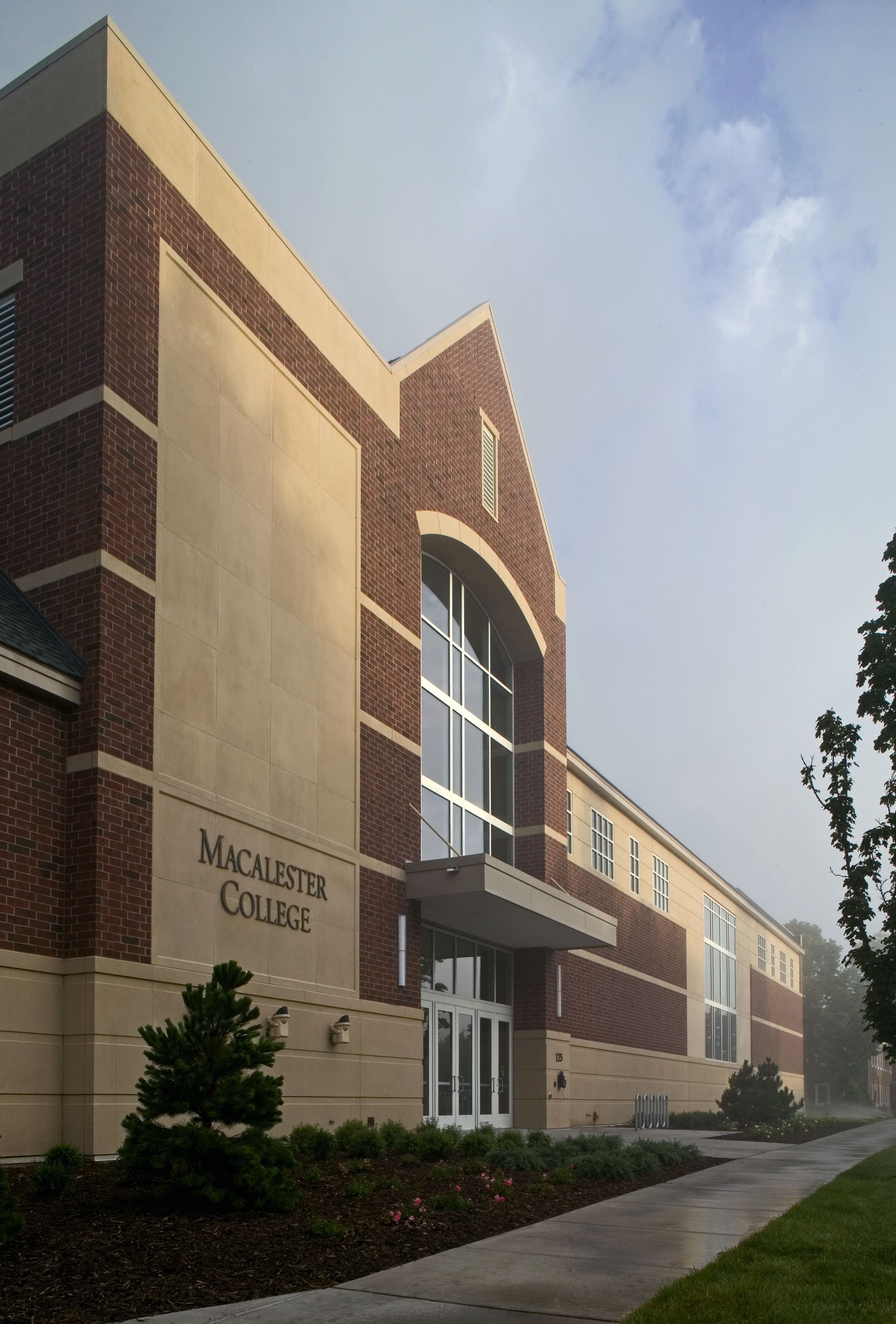 Leonard Center Athletic and Recreational Facility – Macalester College